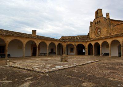Santuari de Montí-Sión innen mit kleinen Ziehbrunnen