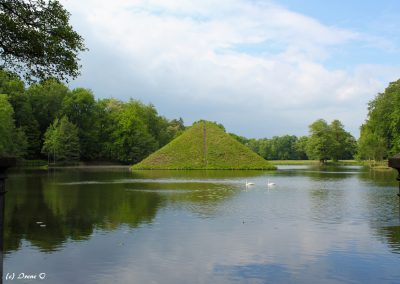 Pirámide del Parque del Príncipe Pückler