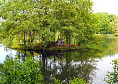 Fürst-Pückler-Park, Stein